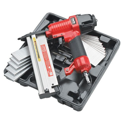 Clarke CSN1D Staple and Nail Gun Kit